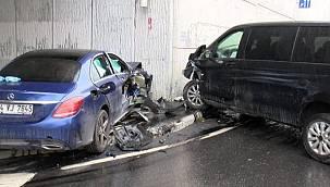 Arap turistleri taşıyan VIP minibüs kaza yaptı