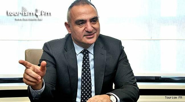 2021 rakamlarını revize eden Bakan Ersoy 2023 turist sayısı ve turizm geliri hedefini açıkladı