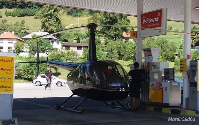 Akıl almaz olay! Helikopter yakıt almak için benzin istasyonuna indi