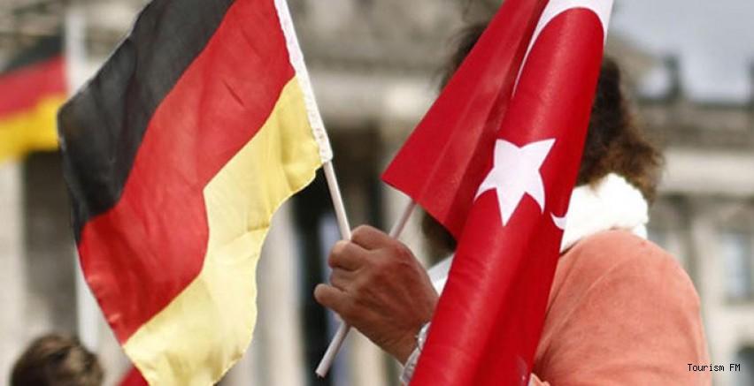 Almanya ile Türkiye arasındaki seyahat sınırı kalkıyor