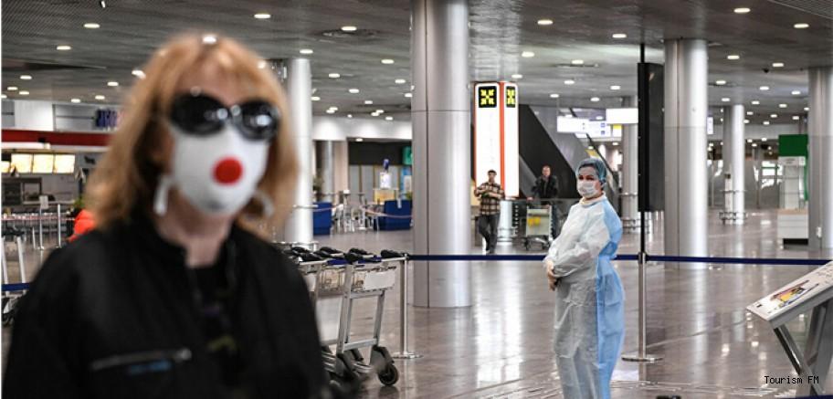 Bilim Kurulu Üyesi uyardı! Türkiye'ye yurt dışından gelen her turist risk