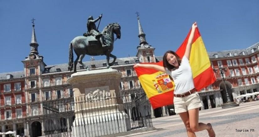 İspanya'da turist sayısı azaldı, gelir katlandı!