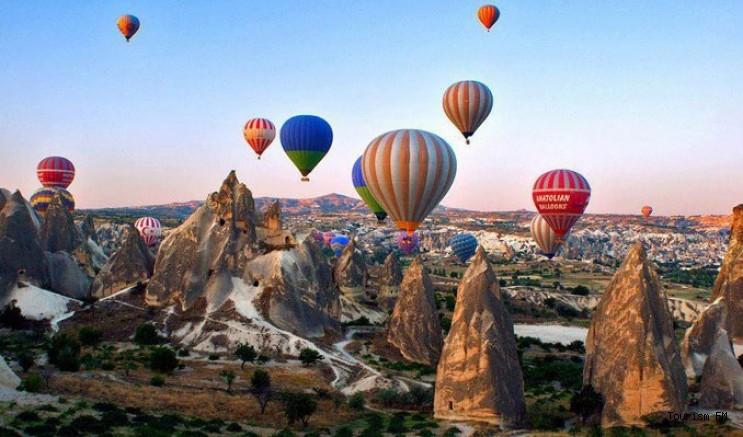 Kapadokya turizmi balonla uçmaya devam ediyor