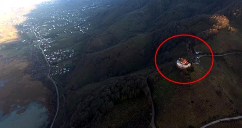 Küçükken keçi otlattığı tepeye hayal ettiği oteli kurdu