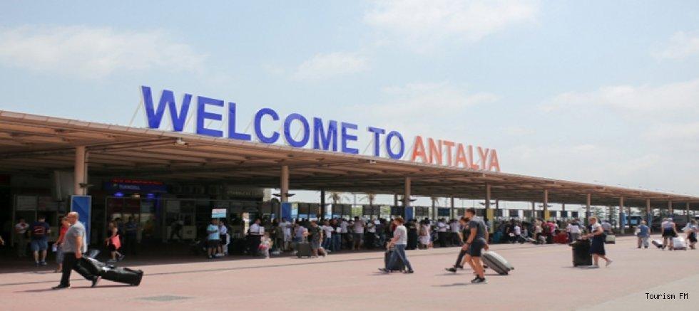 İşte ay ay Antalya'ya gelecek yabancı turist sayısı