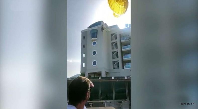 Marmaris'te turistlerin deniz paraşütü keyfi otel çatısında son buldu