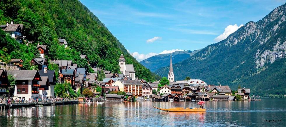 Masal kasabası Hallstatt turist sayısını azaltmak için önlem alıyor