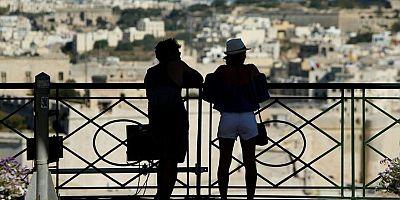 Ülkeye gelen yabancı turiste 200 Euro verecekler!