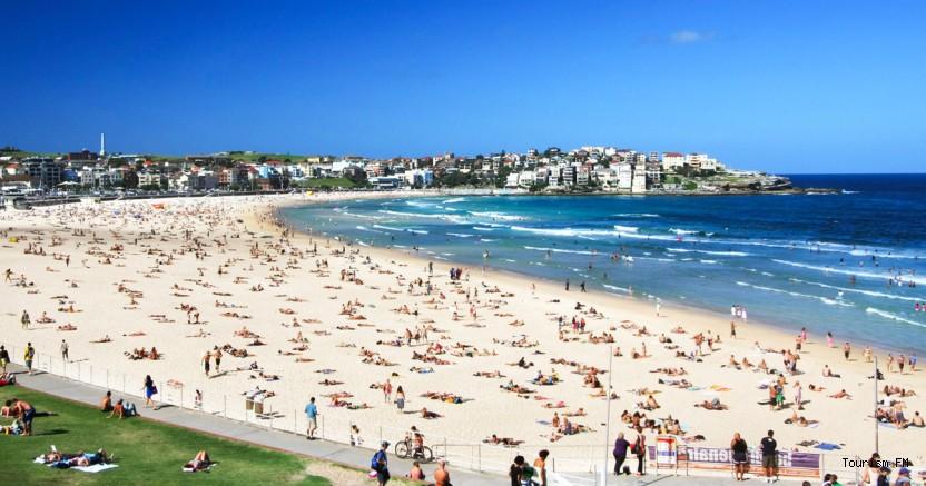Yasağa rağmen halkın akın ettiği plajı polis kapattı!